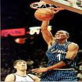 Penny jams while 7'7 Gheorghe Muresan can only watch